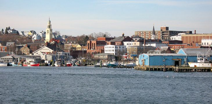 800px-Gloucester_MA_-_harbour